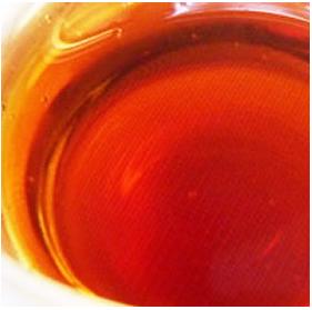 長い発酵熟成期間を経て出来た黒酢